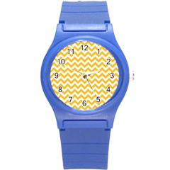 Sunny Yellow & White Zigzag Pattern Round Plastic Sport Watch (s)